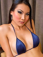 Spicy Asian ladyboy Malisa struggling to shoot off